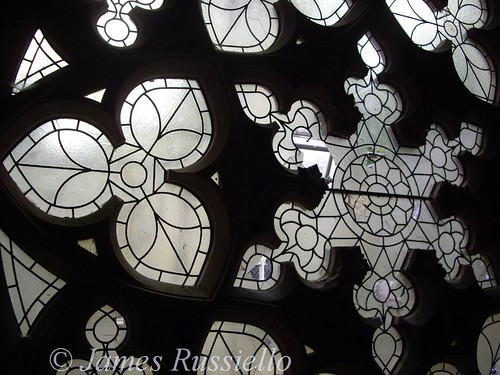 061013.196.Glos.Nympsfield.WoodchesterMansion.First Floor Chapel.West Windows