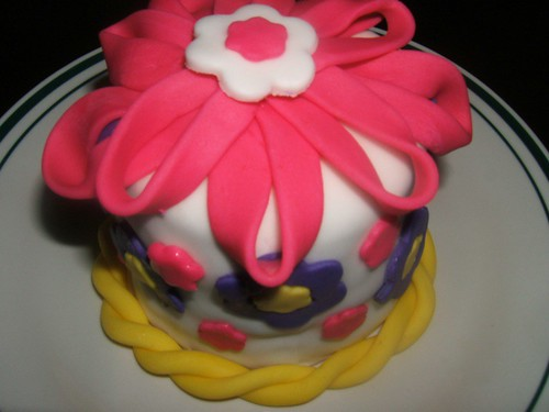 fondant bday cake