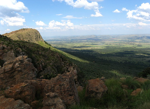 View over Gauteng from the top of the Magaliesberg range