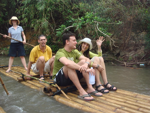 Excursion en balsas de Caña de Bambu