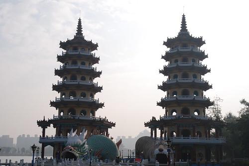 蓮池�-龍虎塔