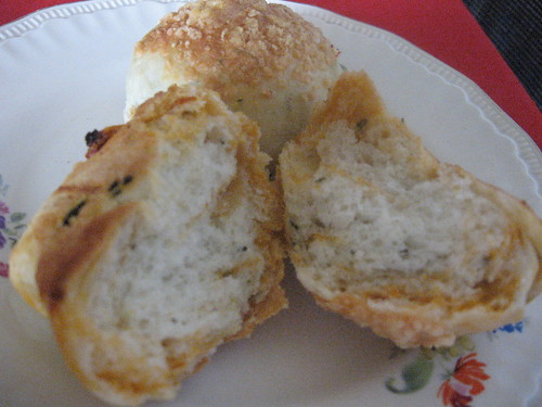bread with olives and sun-dried tomatoes 3