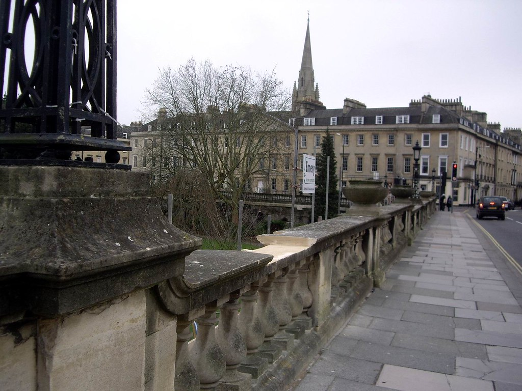 070213.06.Somset.Bath.Parade Terrace Walk