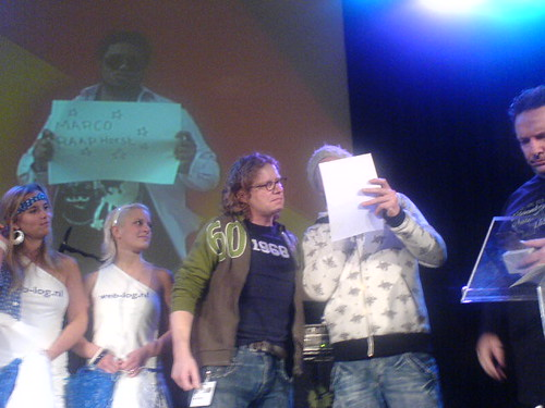 Marco op het podium tijdens Dutch Bloggies 2007