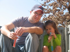 Micah and Haven with popsicles