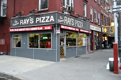 NYC - Greenwich Village: The Famous Ray's Pizz...