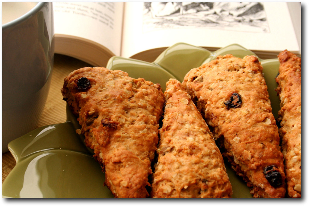 Oatmeal Raisin Pistachio Scones