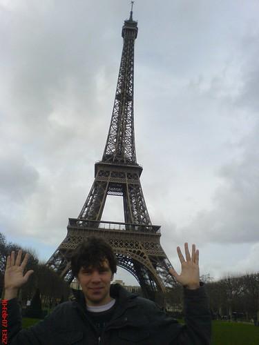 Ik voor de Eiffeltoren