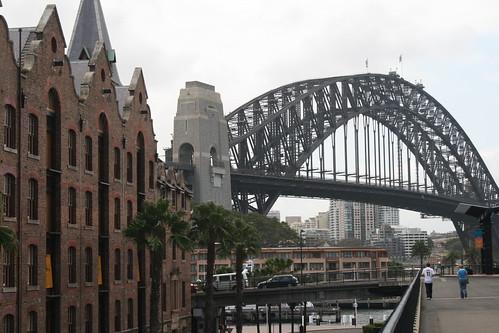 Fachadas y puente