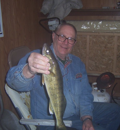 Bill with 18 inch walleye.jpg