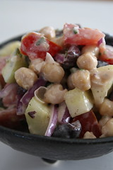 Creamy chickpea and cucumber salad 1