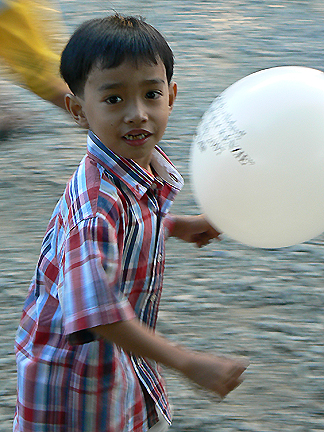 boy_baloon