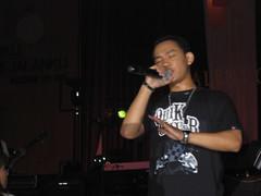 Kaleb, bernyanyi di Malam Kesenian 2007