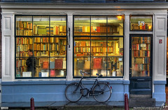 llibreria bookstore in Amsterdam by: MorBCN