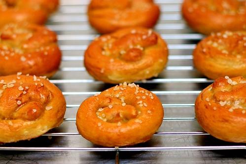 miniature soft pretzels