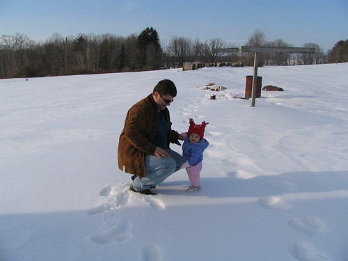 Ava and her daddy in the snow