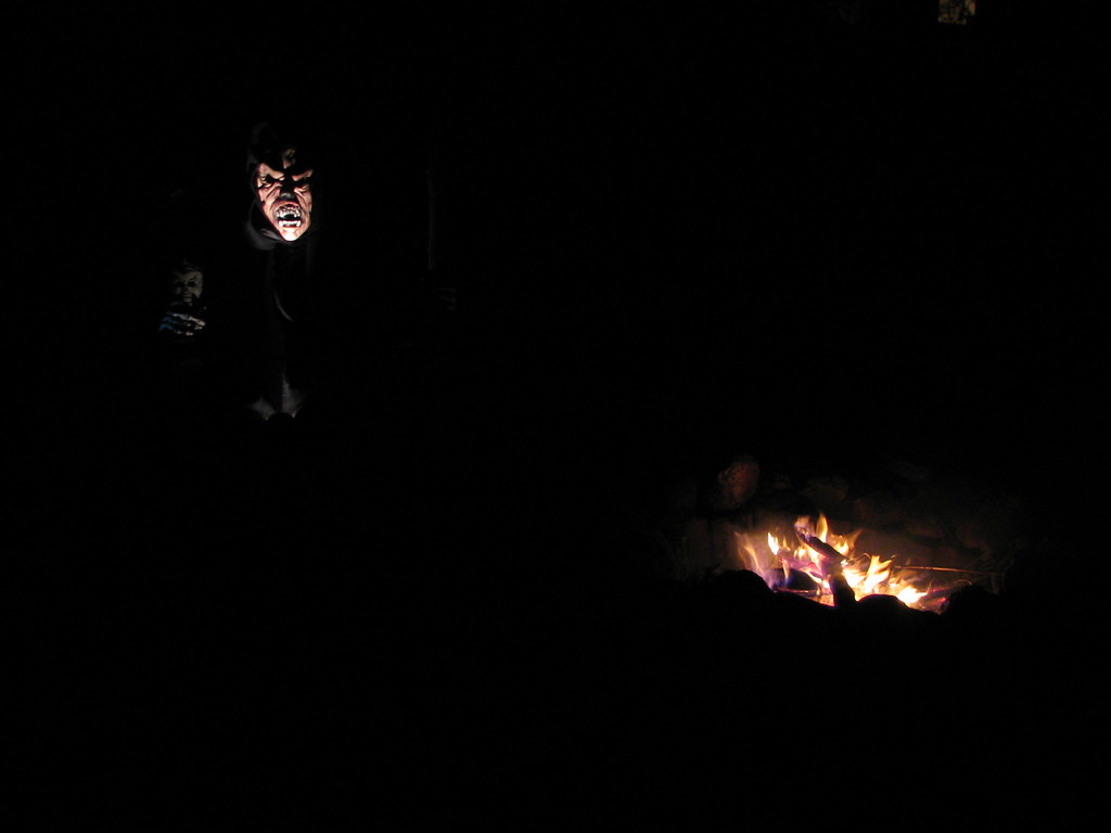 The Haunting, All Hallow's Eve By The Fire, Minneapolis, Minnesota, October 31st, 2006, photo © 2007 by QuoinMonkey. All rights reserved.