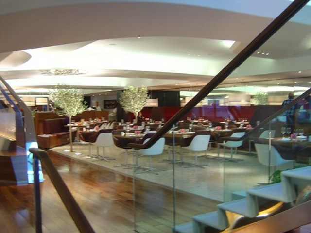 Virgin Atlantic Clubhouse Heathrow 2006