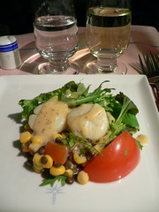 Marinated scallops with sweetcorn kernels in soya sauce dressing