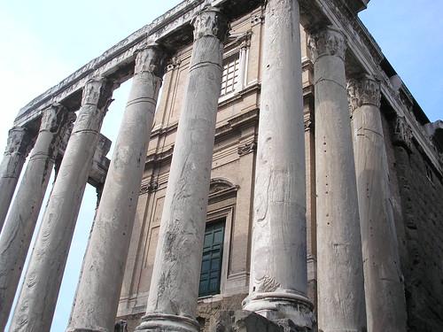 Templo de Antonino y Faustina-Foro Romano