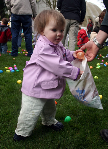 the Toddler Egg Hunt at the 2006 Bunny Bounce.