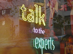 talk to the experts by Mai Le, on Flickr