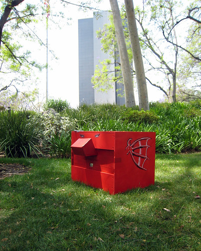 Red winged box