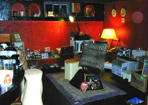 The legendary basement sale, March 2004