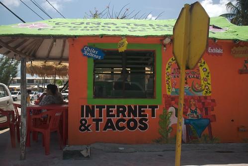 internet & tacos por droїd.