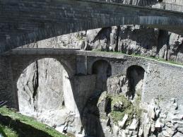 Teufelsbrücke dreifach