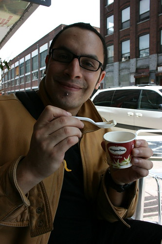 I'm looking for a sponsor, Häagen-Dazs wants a geek??