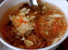 hot and sour soup/ 酸辣湯
