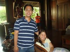 dito kami nag stay sa Alaminos...the house is great and really nice pero creepy hehehe...the windows are very huge made of capiz and they used huge pieces of narra for the entire house. There's one room na locked and no one opens it... sa owner daw yung which died a long time ago na....hoooooo