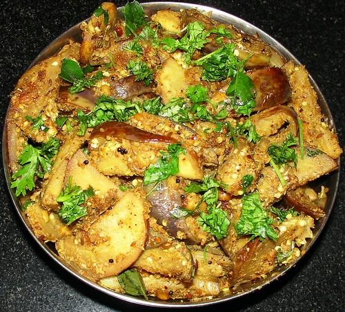 kaththirikkaai podi curry
