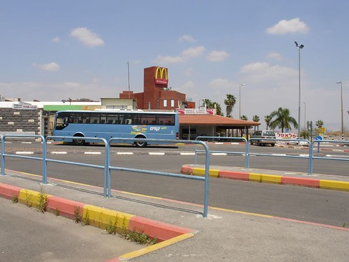 Beit Shean 的巴士站,後方剛好是麥當勞。