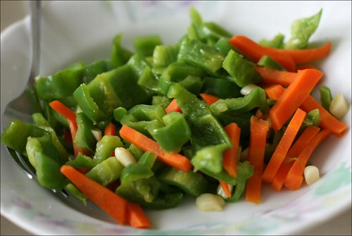 green bell peppers and carrots