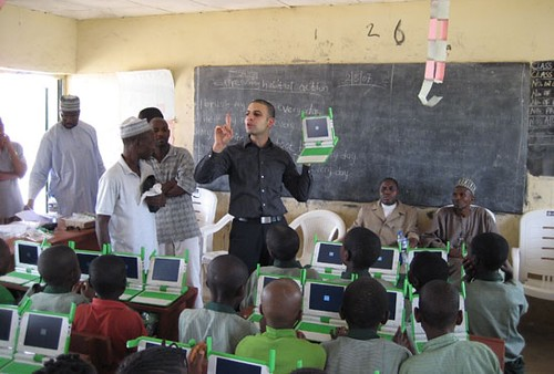 Nigerian students power up their OLPC laptops by inju.