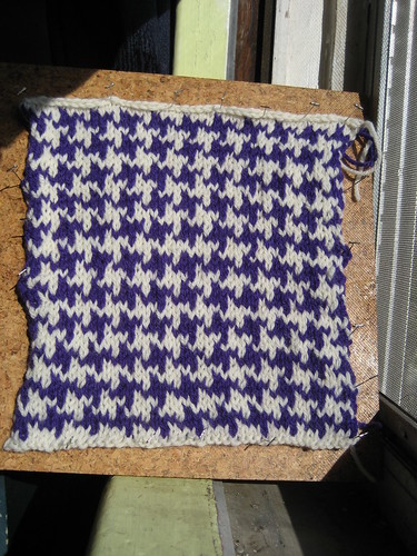 Knitting Pattern For Houndstooth Scarf : 04. Color-Change Patterns The Walker Treasury Project