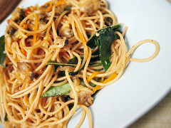 Spaghetti pad cha' สปาเกตตี้ผัดฉ่า