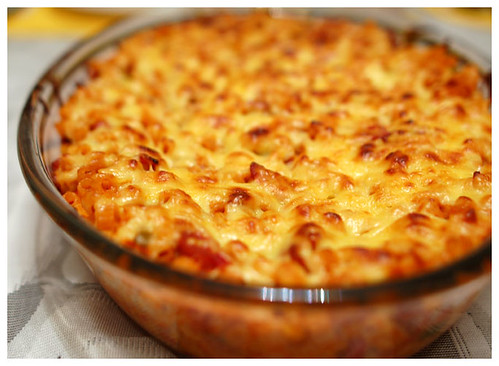 baked macaroni with lotsa cheese