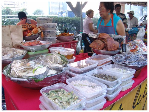 Salcedo weekend food market stall ulam for sale  Pinoy Filipino Pilipino Buhay  people pictures photos life Philippinen  菲律宾  菲律賓  필리핀(공화�) Philippines ampalaya ginisang lechon