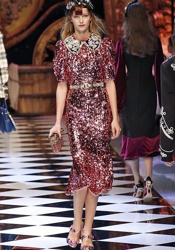 Glitter é o novo básico no closet das fashionistas
