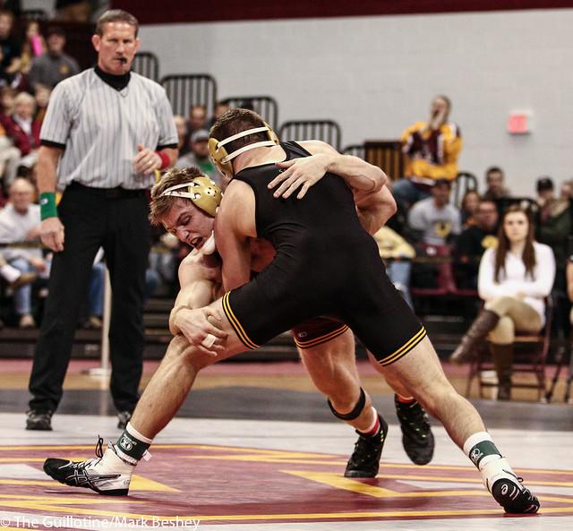 165: Joey Gunther (Iowa) dec No. 15 Nick Wanzek (Minn), 5-2 | Minn 0 – Iowa 11
