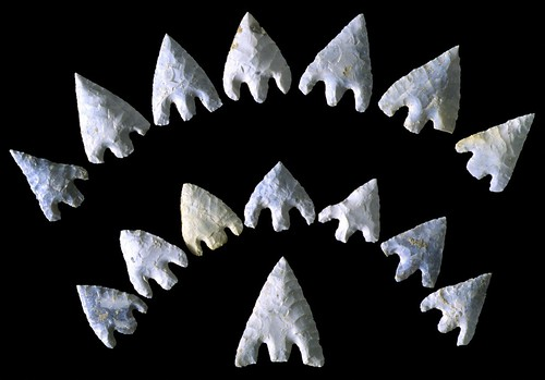 Prehistoric Arrowheads. Par Wessex Archeology. CC-By-NC-SA. Source : Flickr