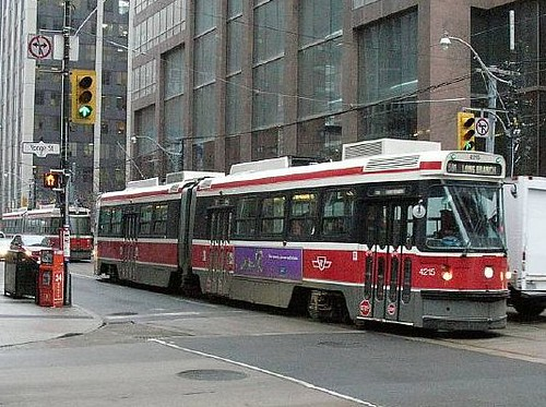TTC 4215 on 501 Queen St at Yonge 2006_0111