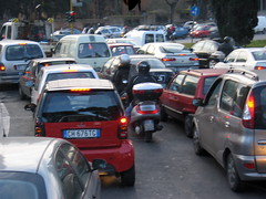 morning rush hour in Rome by ecormany