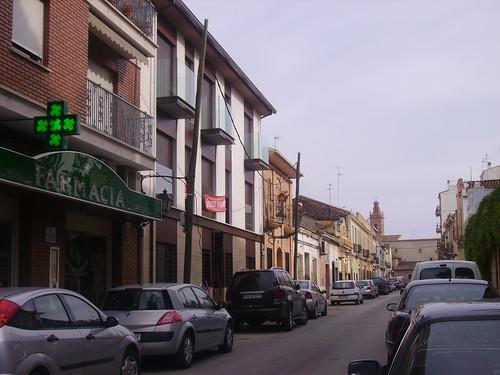 C2. Edificio con fachada a las calles Francisco Carbonell y Conde de Cirat by Rocablog.