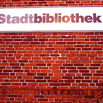Fassade der Stadtbibliothek Travemünde