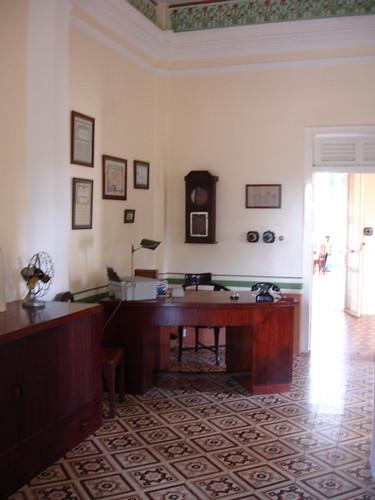 front desk @ la villa