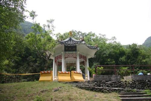 20050823_1630_岳王亭